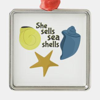 Ella vende cáscaras del mar adorno cuadrado plateado