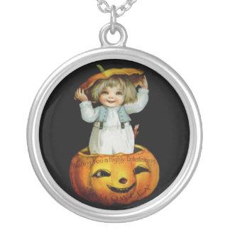 Ellen H. Clapsaddle: Boy in Pumpkin Necklace