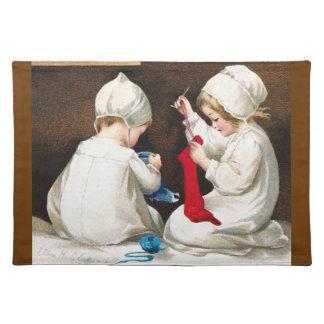Ellen H. Clapsaddle: Chicas que cosen medias Manteles