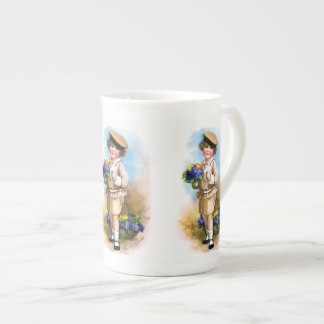 Ellen H. Clapsaddle: Child with Forget-me-not Tea Cup
