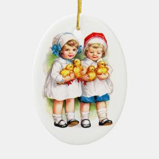 Ellen H. Clapsaddle: Children with Ducklings Ceramic Ornament