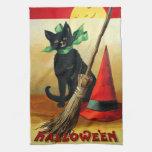 Ellen H. Clapsaddle: Gato negro, escoba y gorra Toalla De Mano