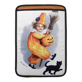 Ellen H. Clapsaddle: Halloween Harlequin with Cat MacBook Air Sleeves