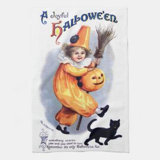 Ellen H. Clapsaddle: Halloween Harlequin with Cat Towels