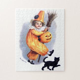 Ellen H. Clapsaddle: Halloween Harlequin with Cat Puzzle