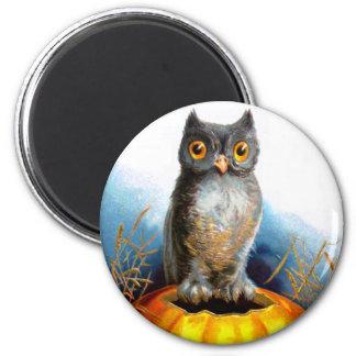 Ellen H. Clapsaddle: Halloween Owl 2 Inch Round Magnet