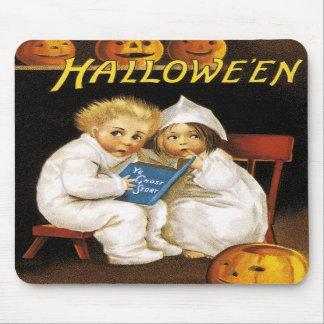 Ellen H. Clapsaddle: Halloween que emociona Alfombrillas De Ratones