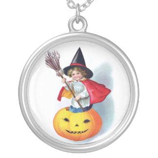 Ellen H. Clapsaddle: Little Pumpkin Witch Necklace