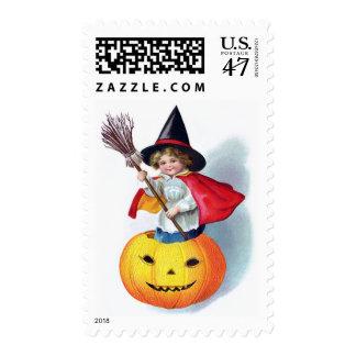 Ellen H. Clapsaddle: Little Pumpkin Witch Postage