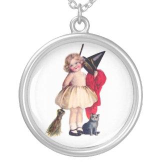 Ellen H. Clapsaddle: Little Witch with Cat Jewelry