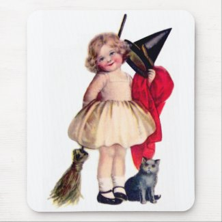 Ellen H. Clapsaddle: Little Witch with Cat