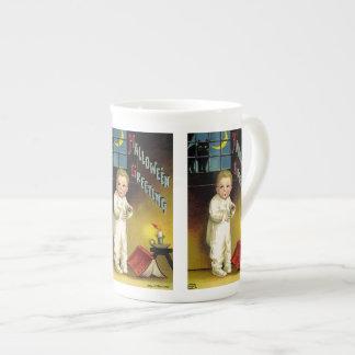 Ellen H. Clapsaddle: Spooky Halloween Tea Cup