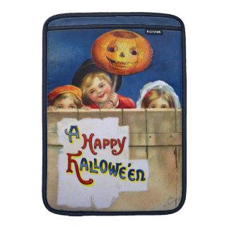 Ellen H. Clapsaddle: Three Halloween Children Sleeve For MacBook Air