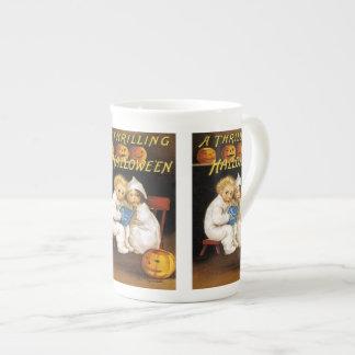 Ellen H. Clapsaddle: Thrilling Halloween Tea Cup