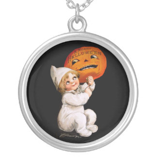 Ellen H. Clapsaddle: Toddler with Pumpkin Pendants