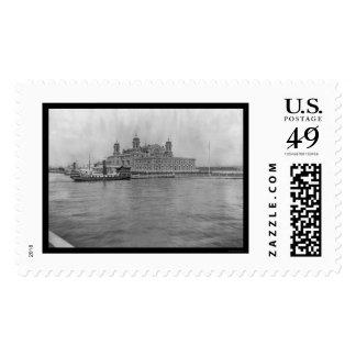 Ellis Island, NY 1913 Postage Stamp