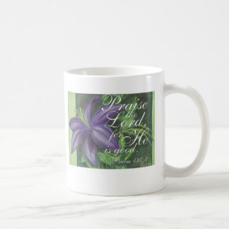 Elogie la taza floral del señor