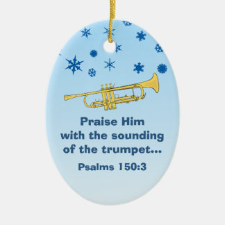 Elogíelo con la trompeta bíblica en el navidad 2 adorno navideño ovalado de cerámica