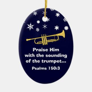 Elogíelo con la trompeta bíblica en el navidad adorno navideño ovalado de cerámica
