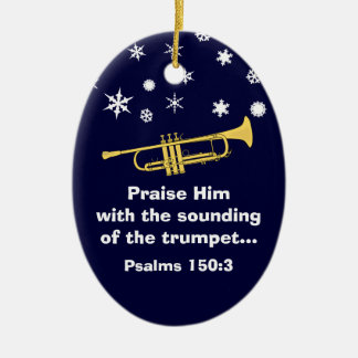 Elogíelo con la trompeta bíblica en el navidad adorno ovalado de cerámica
