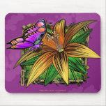 Elorai la mariposa en el cojín de ratón de la flor alfombrillas de ratones