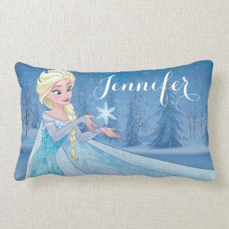 ¡Elsa el   lo dejó ir! Cojín Lumbar