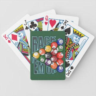 Em del estante para arriba baraja de cartas