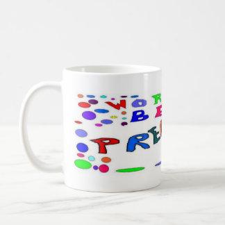 Embarazada complete el diseño tazas de café