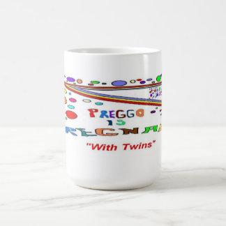 Embarazada con los gemelos taza