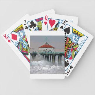 Embarcadero de la orilla del golpe de las mareas d baraja cartas de poker