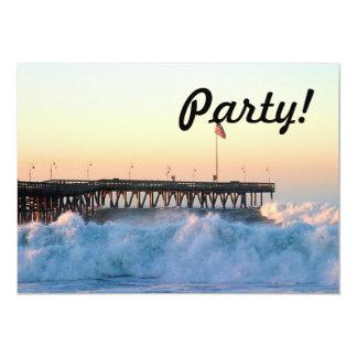 """Embarcadero de la tormenta de la ola oceánica invitación 5"""" x 7"""""""