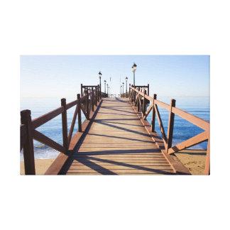 Embarcadero de madera en el mar Mediterráneo Impresión En Lona Estirada