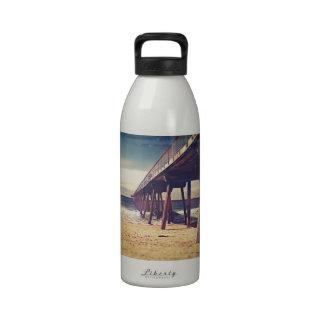 Embarcadero del océano del vintage botella de agua