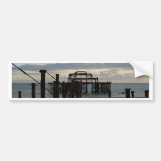 Embarcadero del oeste abandonado Brighton Inglater Etiqueta De Parachoque