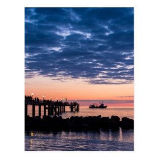 Embarcadero en la orilla del mar Báltico Postal