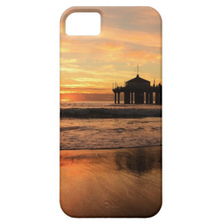 Embarcadero en la puesta del sol funda para iPhone 5 barely there