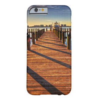 Embarcadero Funda Barely There iPhone 6