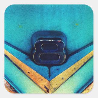 Emblema arenoso del motor de V8 Pegatina Cuadrada