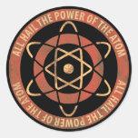 Emblema de la energía atómica de la ciencia pegatina redonda