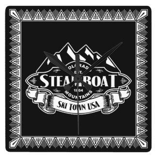 Emblema de la montaña del barco de vapor reloj cuadrado
