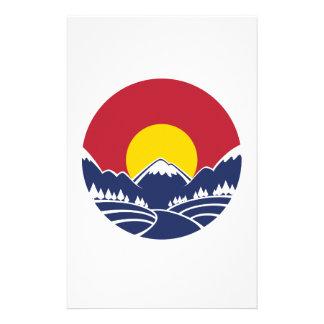 Emblema de la montaña rocosa de Colorado Papelería De Diseño
