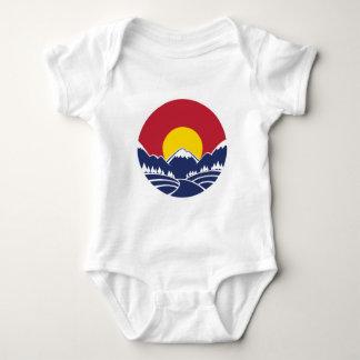 Emblema de la montaña rocosa de Colorado Playera