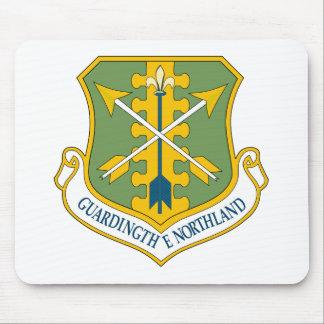 Emblema del ala del combatiente de USAF119th Alfombrillas De Ratón