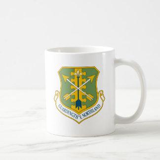 Emblema del ala del combatiente de USAF119th Taza