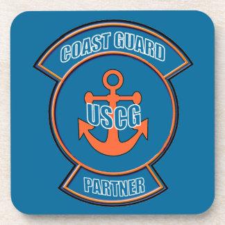 Emblema del ancla del socio del guardacostas posavaso