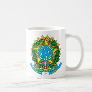 emblema del Brasil Taza Básica Blanca