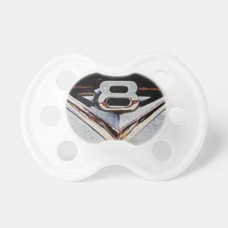 Emblema del cromo del poder de V8 en Hotrod Chupetes De Bebe