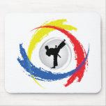 Emblema tricolor del karate alfombrilla de raton