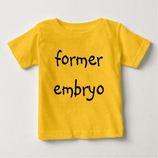 embrión anterior t shirts