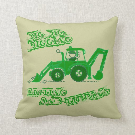 Embroma la almohada verde picadora del muchacho